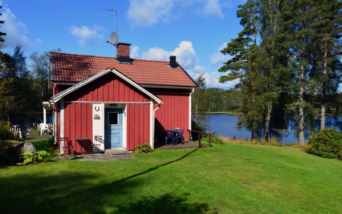 Hyr stuga i Dalsland. Dalslandsstugans framsida