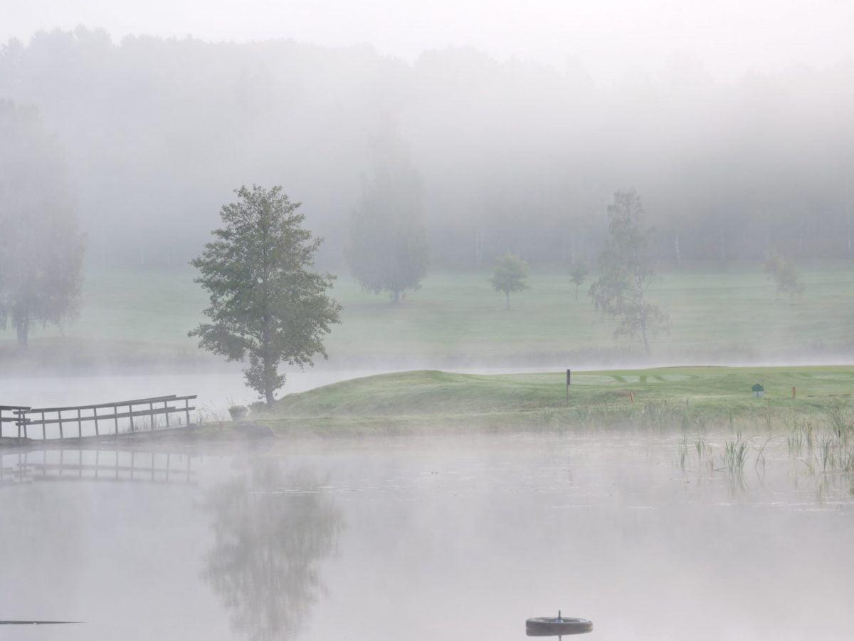 Hyr stuga och spela golf på Forsbacka Golfklubb