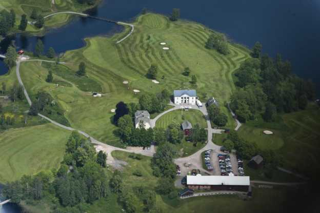 Forsbacka Golfklubb bara några minuter från vår stuga i dalsland